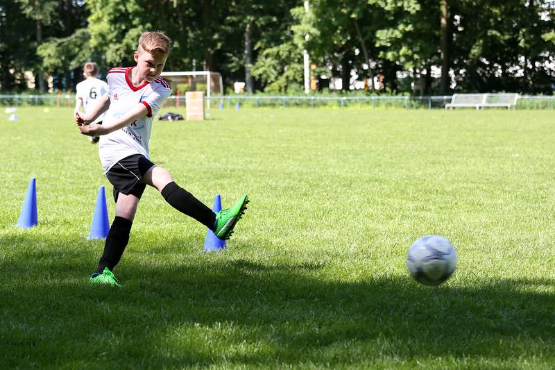 hsv_fussballschule-346_48047995628_o.jpg