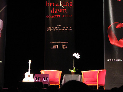 Stephanie Meyer Breaking Dawn Concert - 7 Aug 08 - UCLA - Los Angeles, CA