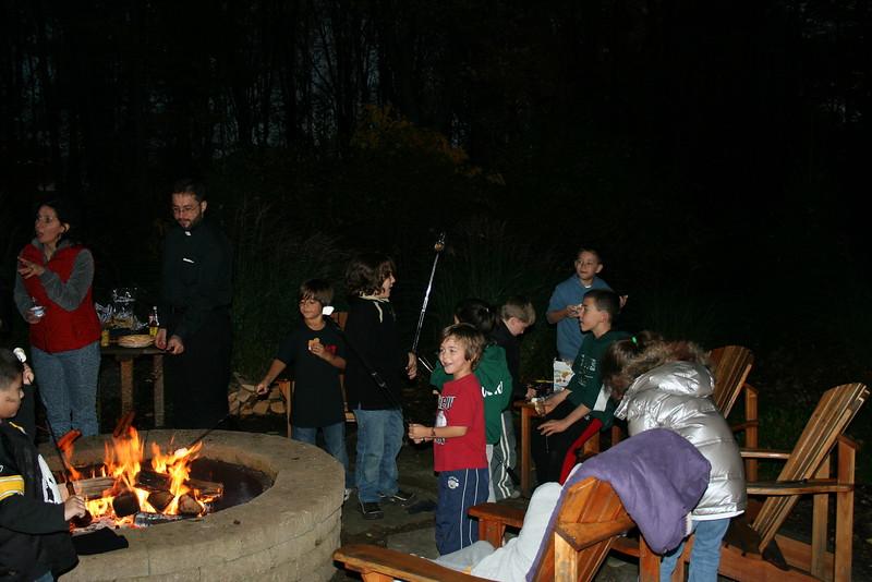 2009-10-25-HOPE-JOY-Bonfire_002.jpg