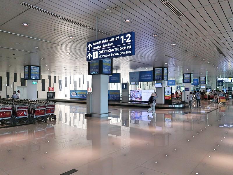 IMG_9123-baggage-claim.jpg