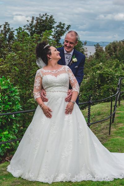 Mr & Mrs Wallington-520.jpg