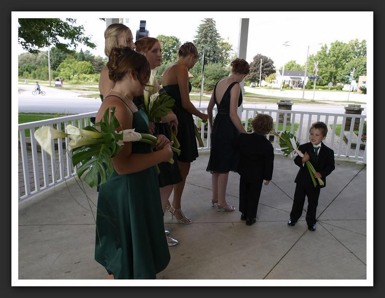 Bridal Party Family Shots at Stayner Gazebo 2009 08-29 008 .jpg
