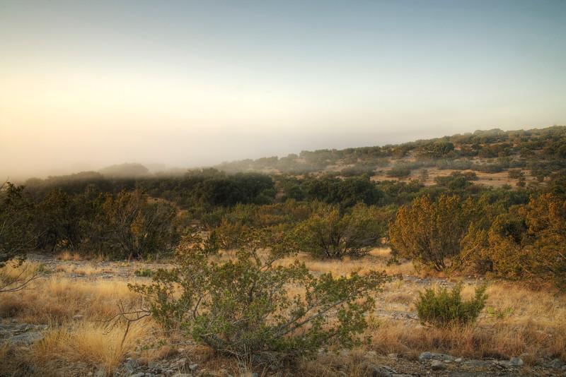 2007-11-17 ozona valley in fog hdr.jpg