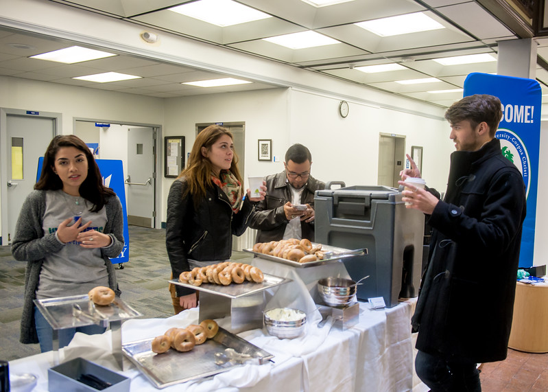 120717_Books and Bagels_LV-8196.jpg