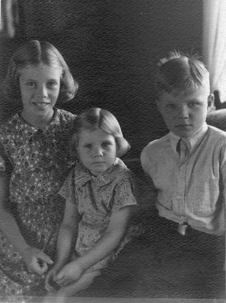 Joyce, Evelyn Jean and Wayne (Bud) Herdrich
