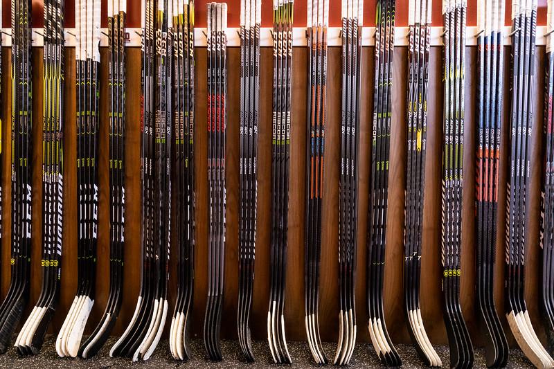 20181103-DU-Hockey-RibbonCutting-29.jpg