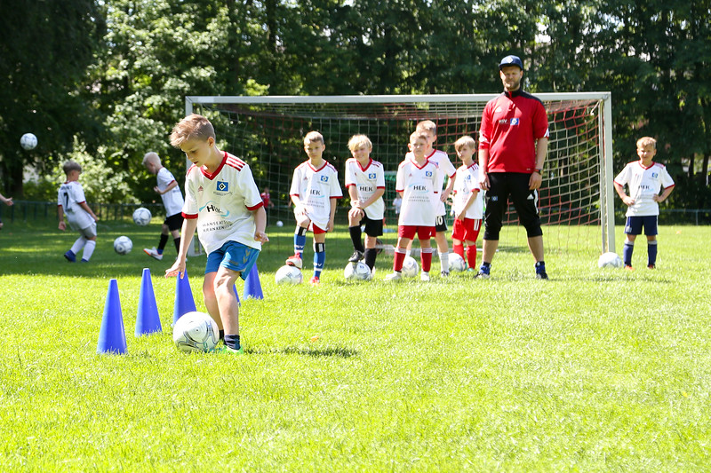 hsv_fussballschule-424_48047997213_o.jpg