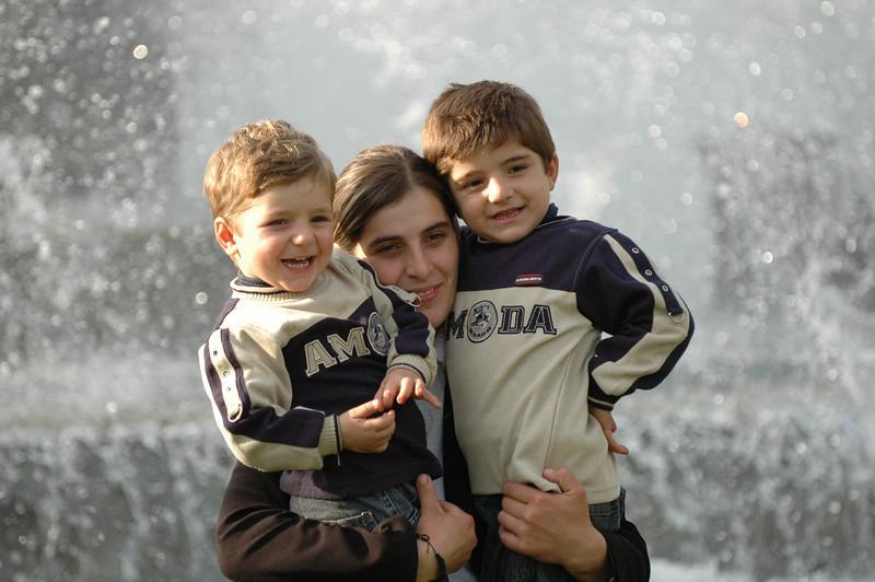 051009 9524 Georgia - Tbilisi - Georgian People Celebrating Sunday _E _I _L _N ~E ~L.JPG