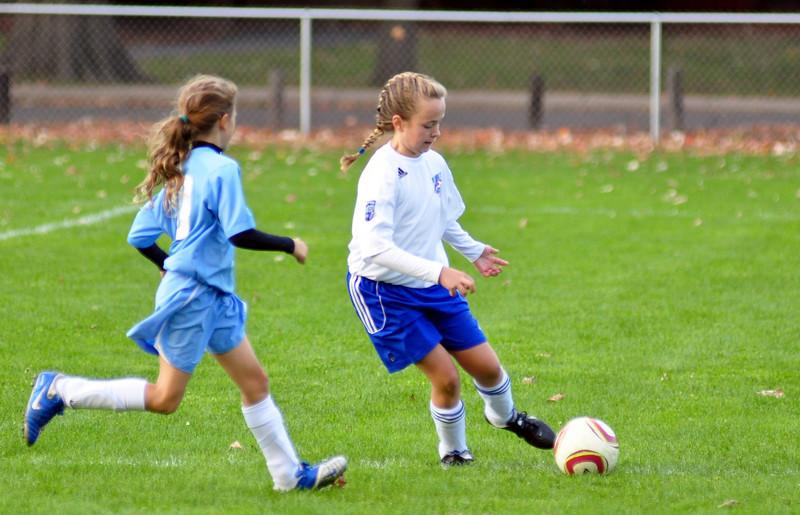 plainville u-11 girls soccer 10-17-10-014.jpg