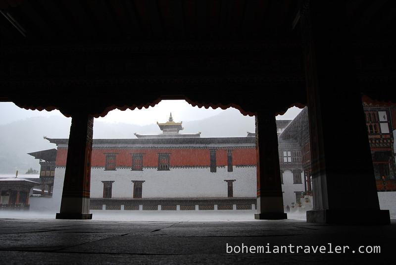 Tashichho Dzong in Thimphu Bhutan during rain.jpg