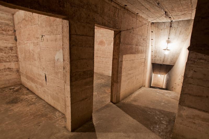 vietnam-cave-hospital-interior.jpg