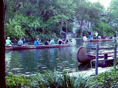 Disney: Canoe Race