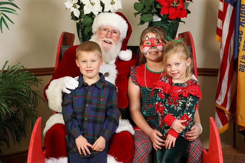 TBTP 2019 Photos with Santa-109.JPG