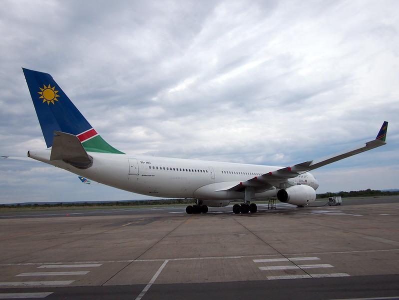 P3210105-namibia-air.JPG
