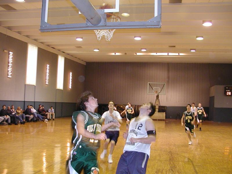 2003-02-21-Holy-Cross-Bball-Tournament_008.jpg