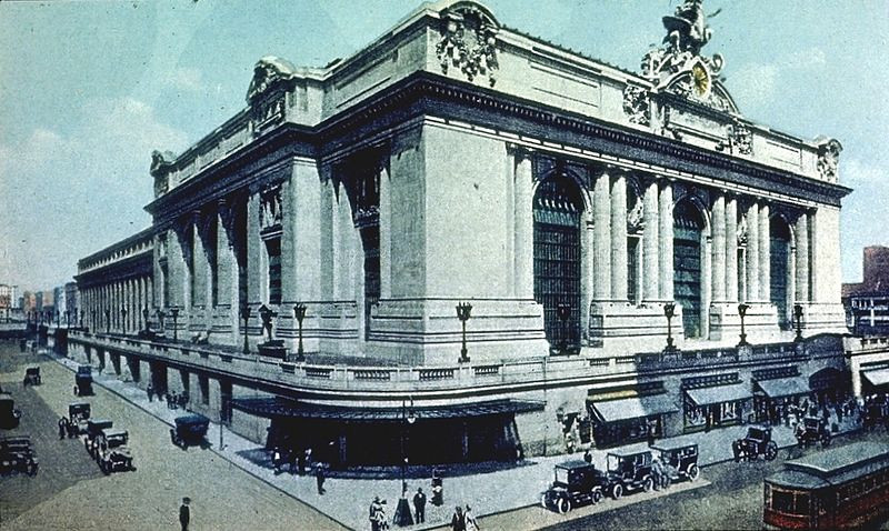 800px-Grand_Central_Terminal_Exterior_42nd_St_at_Park_Ave_New_York_City.jpg