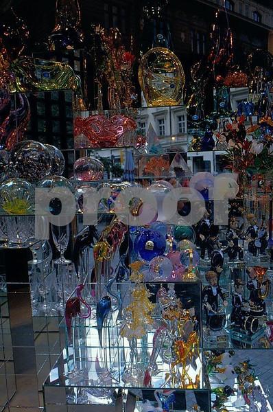 Prague crystal 2.jpg