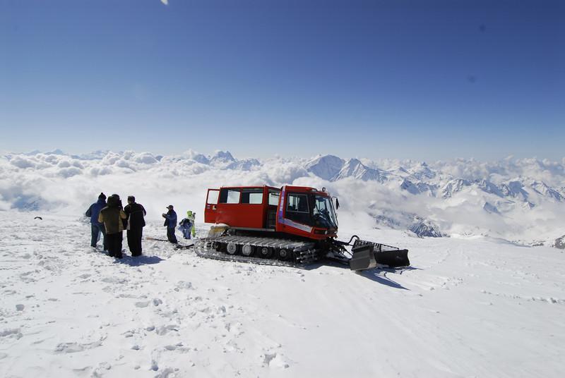080502 2019 Russia - Mount Elbruce - Day 2 Trip to 15000 feet _E _I ~E ~L.JPG