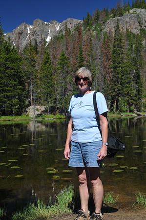 Hike to Emerald Lake via Bear Lake