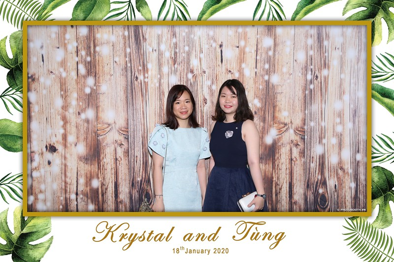 Krystal-Tung-wedding-instant-print-photo-booth-in-Ho-Chi-Minh-City-Chup-hinh-lay-lien-Tiec-cuoi-WefieBox-Photobooth-Vietnam-054.jpg