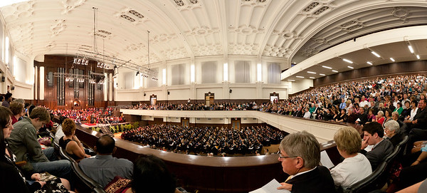 The University of Otago's 2010-12-15 Graduation in the Dunedin Town Hall