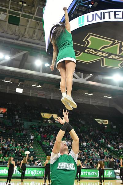 cheerleaders6730.jpg