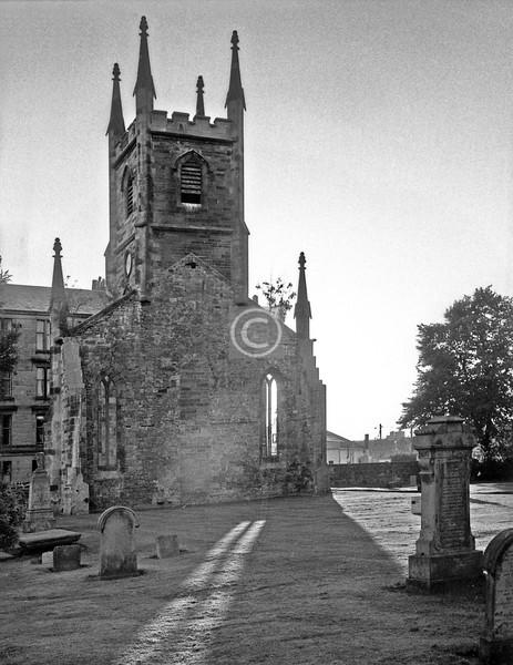 Cathcart Old Church.   July 1975