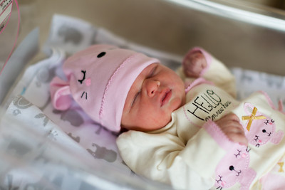 Justin and Courtney Newborn