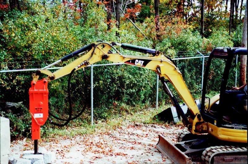 NPK GH2 hydraulic hammer on Cat mini excavator (4).JPG