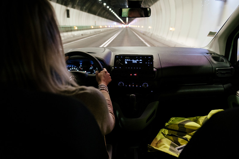 Driving in the tunnel, note the radio station (informations) and the yellow vest - Samuel Zeller for the New York Times