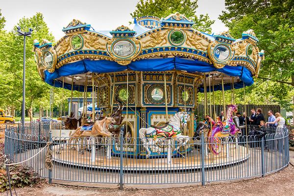 06-Carousel