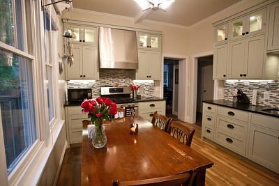 Avenues Kitchen