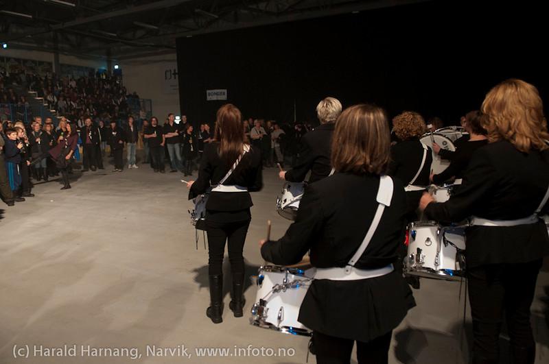 Åpningsseremoni og åpningskonsert på Nordkraft Arena. Trommetøttene overbeviste.