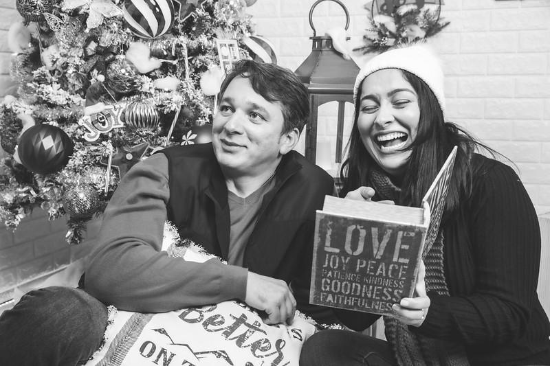 12.21.19 - Marceli's Christmas Photo Session 2019 - -33.jpg