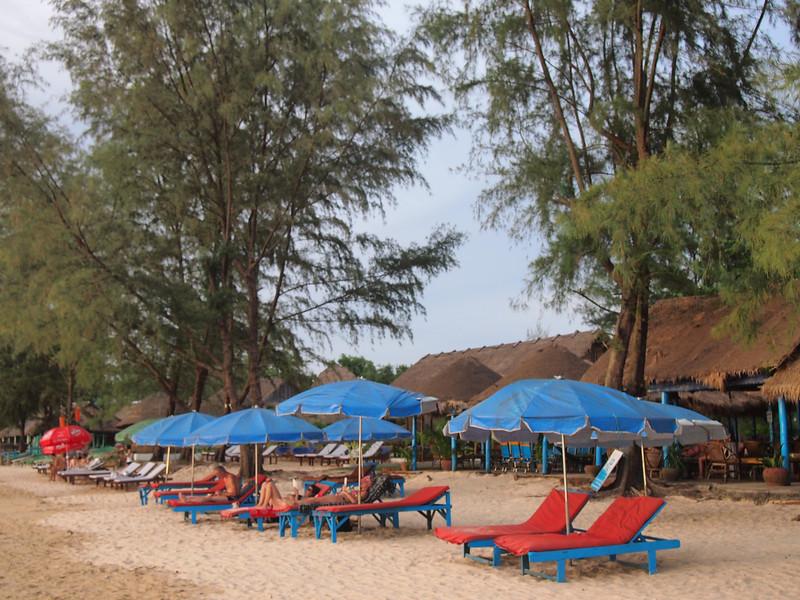 PB133564-beach-chairs.JPG