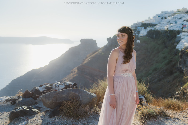 Santorini-anniversary-tripphoto-session-photo-shoot-amazing-view--2.jpg