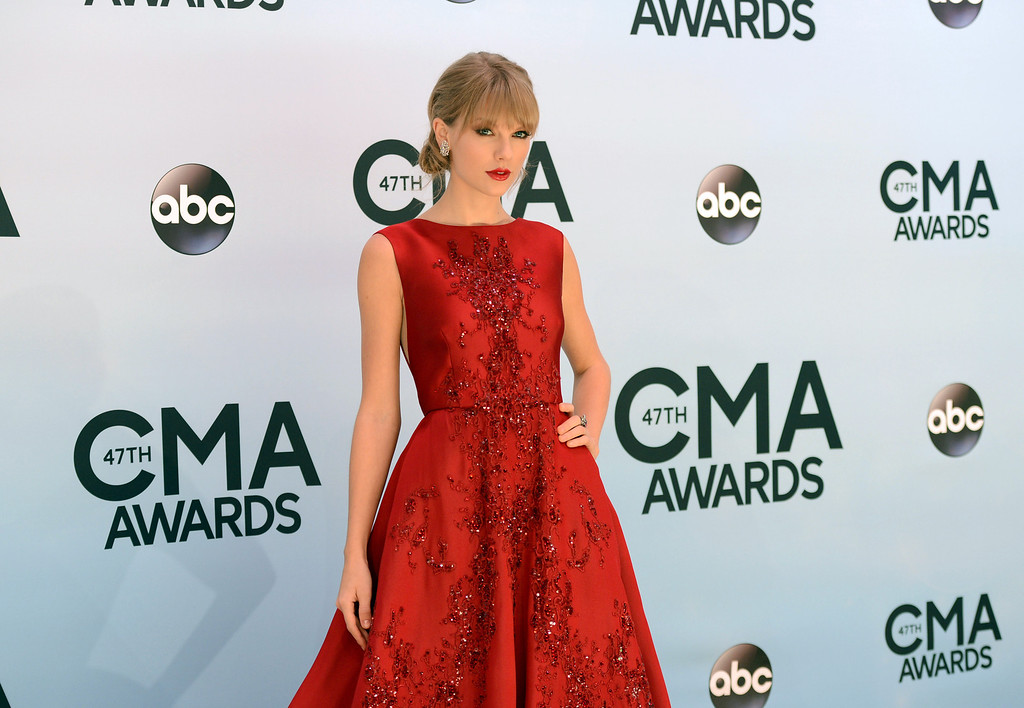 . Taylor Swift arrives at the 47th annual CMA Awards at Bridgestone Arena on Wednesday, Nov. 6, 2013, in Nashville, Tenn. (Photo by Evan Agostini/Invision/AP)