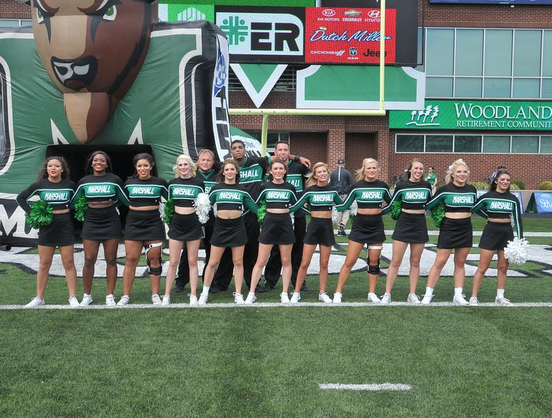 cheerleaders3917.jpg