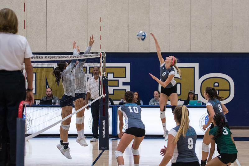 HPU Volleyball-91644.jpg