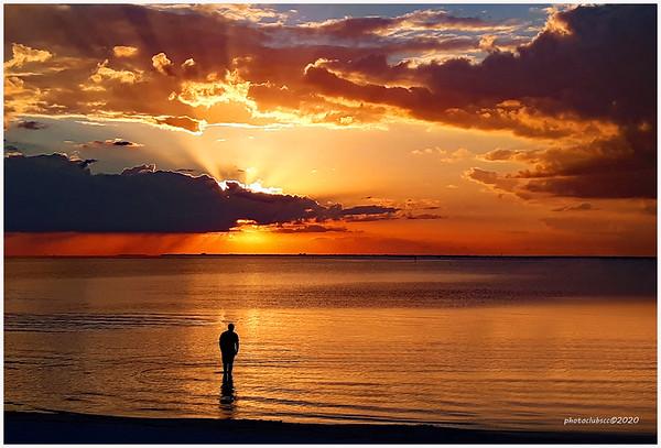 DIGITAL-COLOR-ADVANCED-SILVER-WATCHING THE SUN GO DOWN-ANN JACQUES