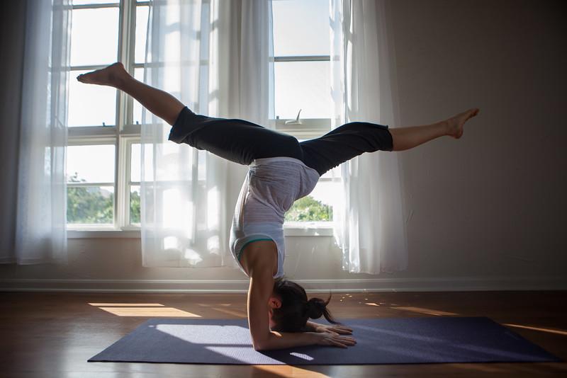 2014 10 10 Kelly goRockett yoga-7.jpg