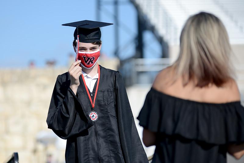 VRHS-Graduation_013.jpg