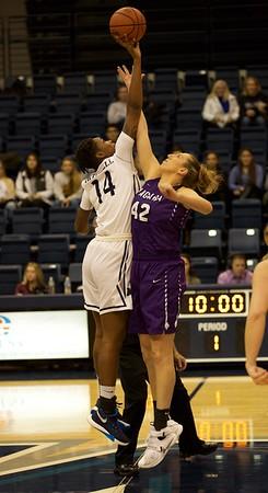 MU W Basketball v Niagara