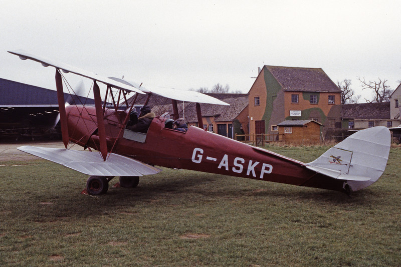 G-ASKP-DH-82ATigerMoth-Private-EGKH-1998-02-19-EI-40-KBVPCollection.jpg