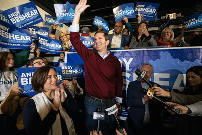 #2470/2471 Andy Beshear at Mile Wide Brewery, 11/4/19