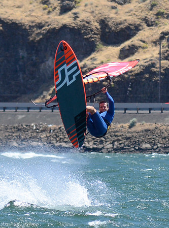 Windsurfing the Gorge 2016