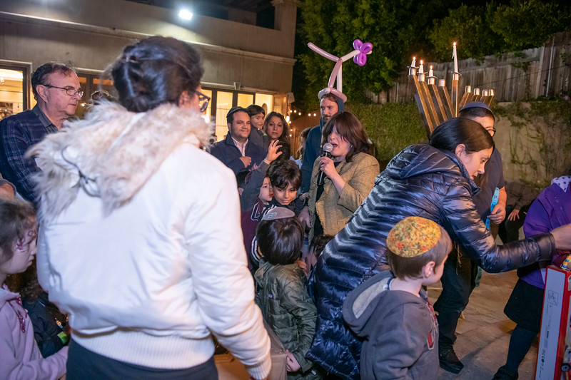 Brentwood Chabad -Chanukah970.jpg