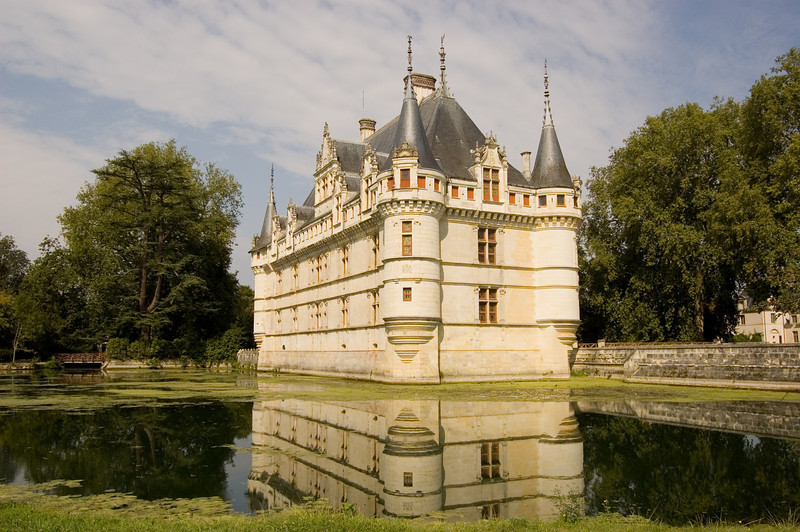 chateau azay.jpg