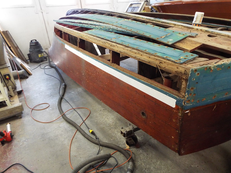 Bottom starboard side plank removed.