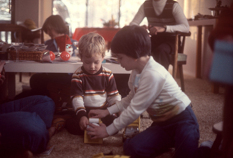 1976-12 Bonnie & Jon.jpg